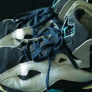 Other - Mens size 11 jordans used good condition